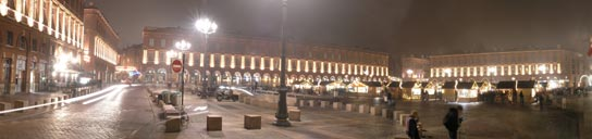 http://texturesmax.free.fr/t_capitole_nuit.jpg